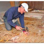Чем утеплить пол в деревянном доме, чтобы круглый год было тепло и сухо?