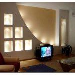 Декор стен в гостиной – что выбрать?