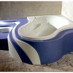 Дизайн ванной комнаты с угловой ванной