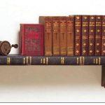 Дизайнерские книжные полки из книг