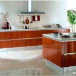 Практичен ли дизайн кухни без верхних шкафов?