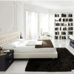 Чистота линий в спальне с белой мебелью