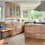 Кухни из натурального дерева: плюсы и минусы, особенности выбора