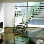 Стеклянные лестницы — элегантное украшение вашего дома