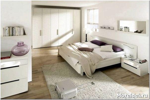 дизайн спальни белой кроватью