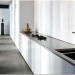 Дизайн чердака ставшим жилой квартирой -студией в дюссельдорфе