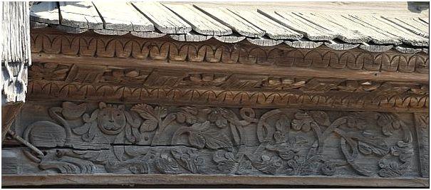 Фото 4 – Рельефная домовая резьба