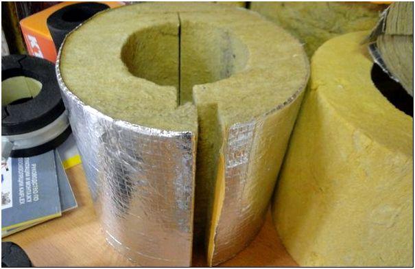 Использование теплоизоляторов для защиты труб – простое решение