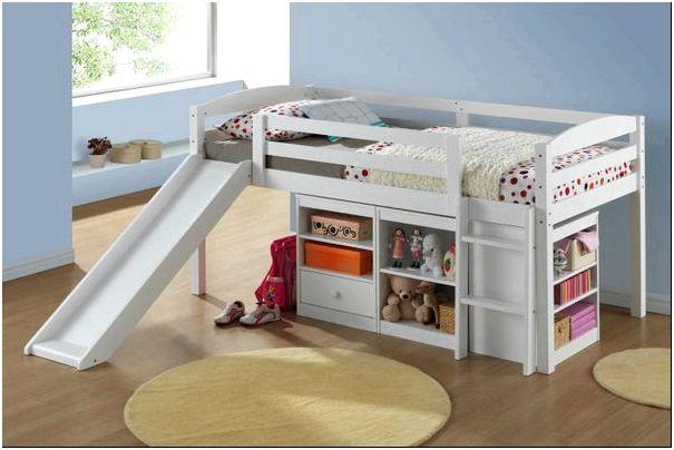 Фото 4 - Детская кровать с лесенкой и горкой