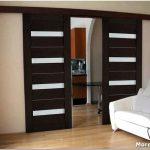 Раздвижные двери: основные характеристики, плюсы и минусы, особенности выбора