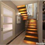 Лестница в прихожей – главная деталь дизайна