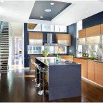 Синяя кухня: свежо и ярко