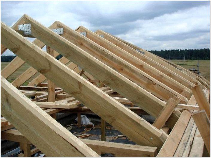 Делаем односкатную крышу своими руками и выполняем монтаж стропил ...