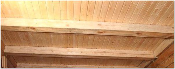 Фото 8 - Потолок из бруса на даче