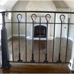 Красивые кованные перила в интерьере дома — 20 фото
