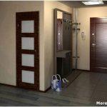 Как правильно оформить интерьер квадратного коридора?