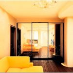 Шкафы-купе в гостиную – нестандартное решение в дизайне