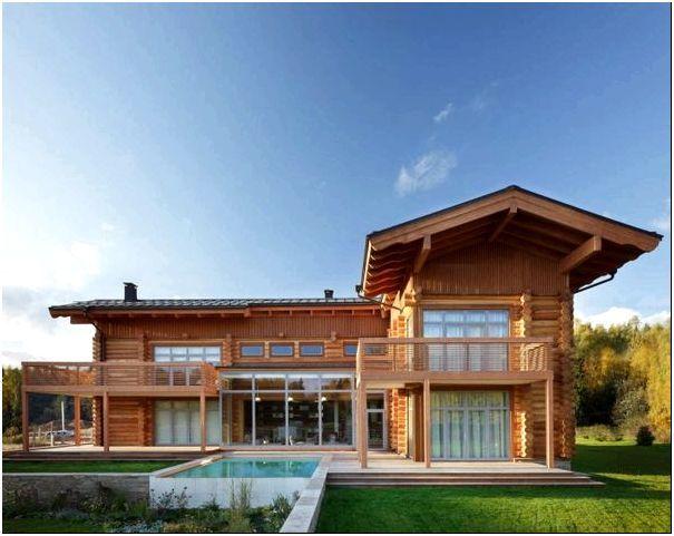 Фото 1 – Необычная архитектура бревенчатого дома