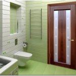 Установка дверей в ванной комнате