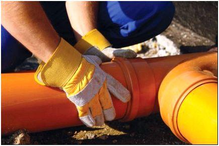 Осуществление врезки в чугунный водопровод.