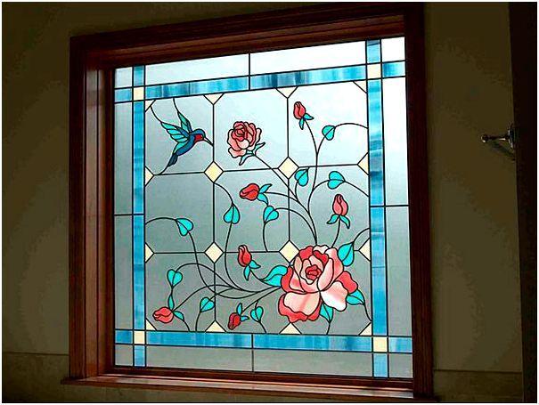 Фото 1 - Пленочный витраж на окне
