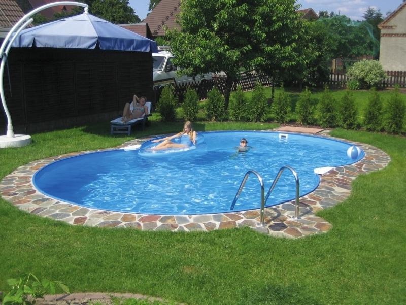 Небольшой бассейн во дворе своими руками 38