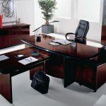 Как правильно выбрать офисный стол