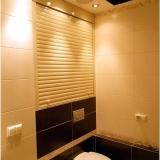 Рольставни в туалет — 30 фото