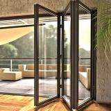 Стеклянные изделия Фаворит Гласс — это качественные и красивые конструкции. Обратите внимание на 7 основных категорий наших товаров