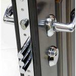 Противопожарные входные двери: свойства, особенности, виды