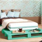 Кровать-подиум в интерьере: практичный вариант для дома